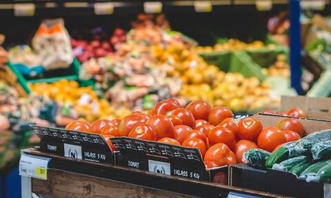 Τζατζίκι, τυροκαυτερή, τσίχλες: Σε αυτά τα προϊόντα παραμένει 24% ο ΦΠΑ