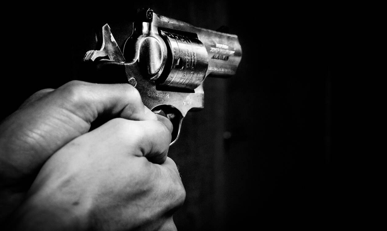 Σοκ σε ξενοδοχείο της Κρήτης: Τράβηξε όπλο κατά συναδέλφου του