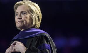 Δύσκολες ώρες για τη Χίλαρι Κλίντον: Πέθανε ο αδερφός της