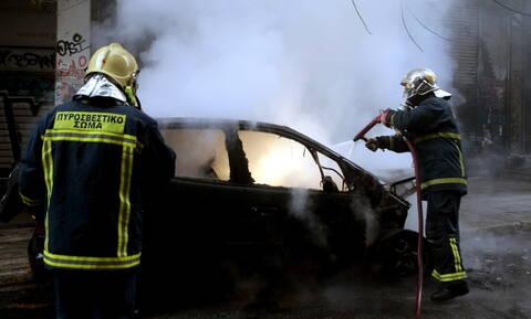 Θεσσαλονίκη: Στις φλόγες αυτοκίνητα διπλωματών
