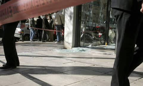 Επίθεση Ρουβίκωνα σε τράπεζα: Βασικό μέλος της αναρχικής ομάδας ένας από τους προσαχθέντες
