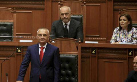 Καζάνι που βράζει η Αλβανία: Ο Ράμα ετοιμάζεται να καθαιρέσει τον Μέτα (vid)
