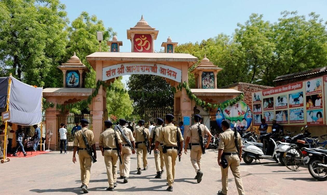 Ινδία: Ισόβια σε τρεις άνδρες για τον βιασμό και τον φόνο οκτάχρονης