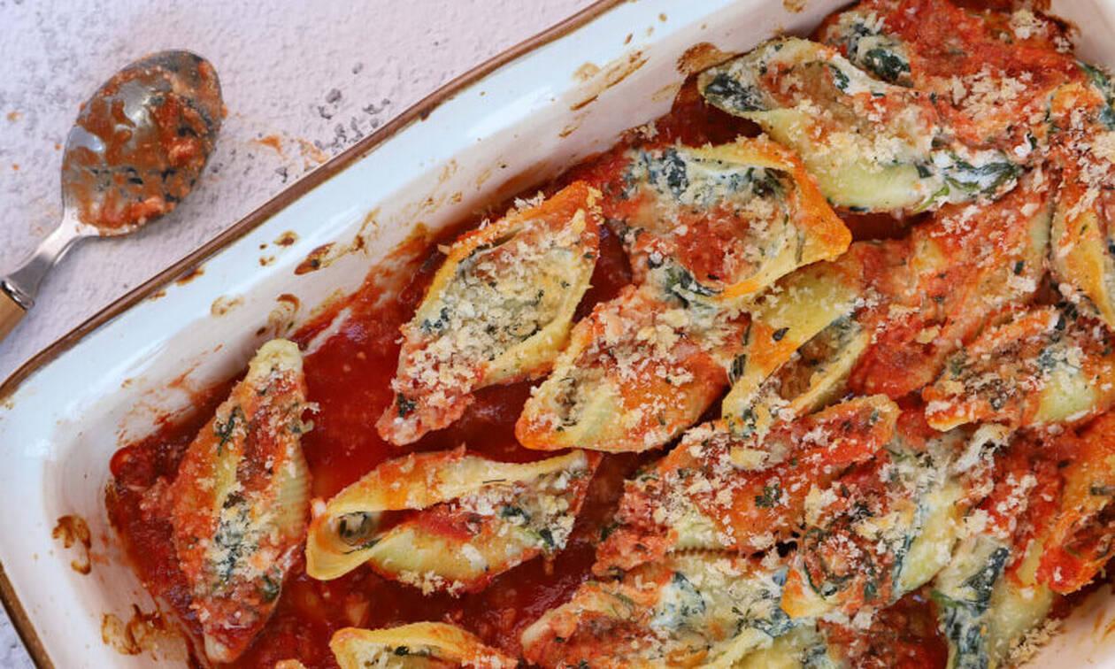 Η συνταγή της ημέρας: Κοχύλια γεμιστά με σπανάκι και ρικότα
