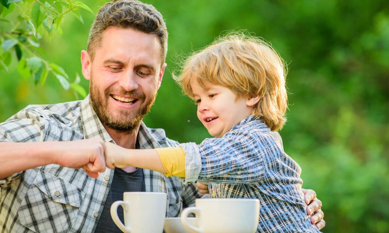 Επτά πράγματα που κάθε μπαμπάς πρέπει να διδάξει στον γιο του (pics)