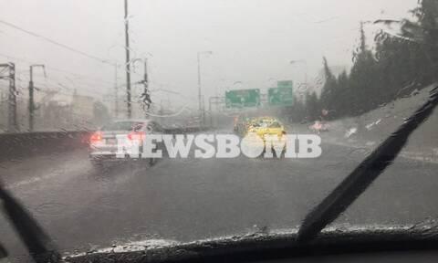 Καιρός: Ισχυρές καταιγίδες και χαλάζι «χτυπούν» τη χώρα- Ποιες περιοχές θα πληγούν τις επόμενες ώρες