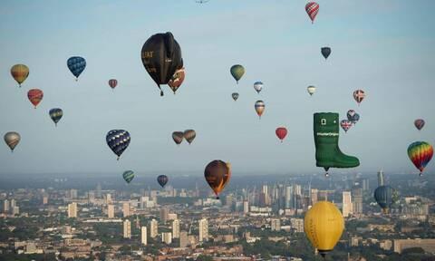 Μοναδικές εικόνες: Ο ουρανός του Λονδίνου γέμισε χρώματα! (pics)