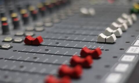 Θρήνος: Έφυγε από τη ζωή γνωστός Έλληνας ραδιοφωνικός παραγωγός