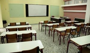 Ρόδος: Στηρίζουν τον δάσκαλο που κλείδωσε τον μαθητή στην τάξη οι γονείς των άλλων παιδιών
