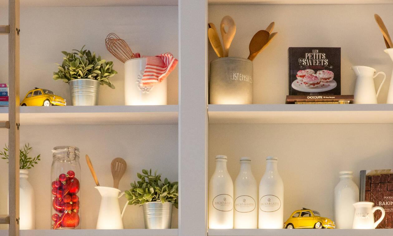 Πώς πρέπει να αποθηκεύω τα τρόφιμα μέσα στα ντουλάπια