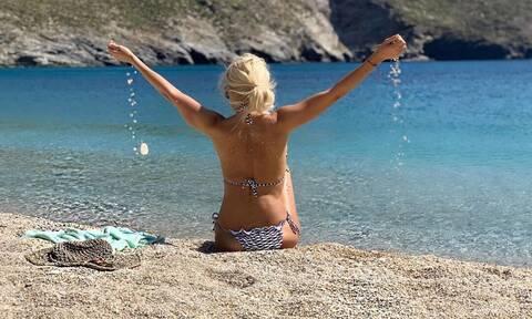 Αυτό είναι το κορμί της Ελένης Μενεγάκη με μαγιό και χωρίς ρετούς! (pics)