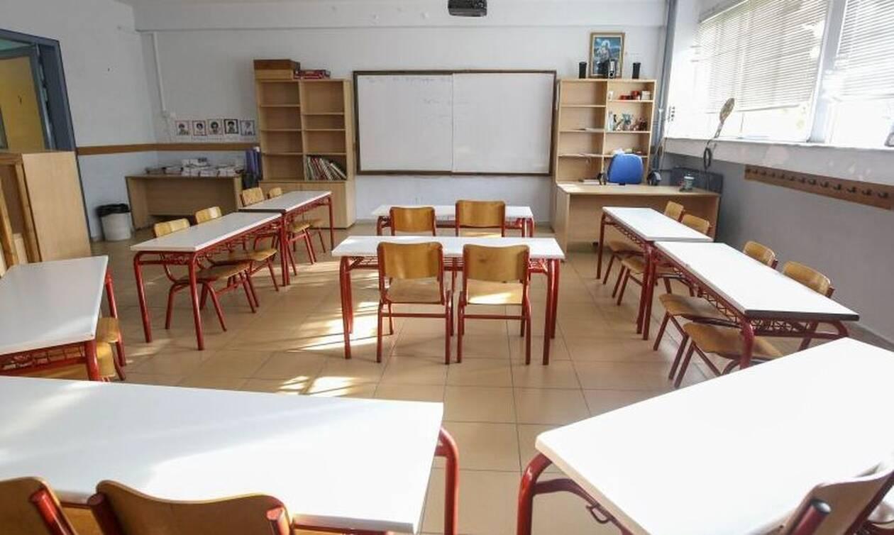 Θεσσαλονίκη: Προσήγαγαν μαθητές Γυμνασίου για βανδαλισμό του σχολείου τους!