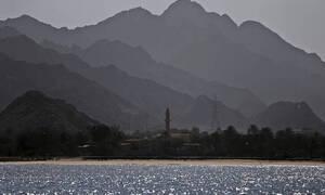 Παγκόσμιος συναγερμός: Αναφορές για εκρήξεις σε δύο τάνκερ στον Κόλπο του Ομάν