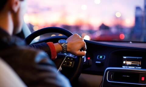 Αυτά είναι τα 6 αντικείμενα που δεν πρέπει να λείπουν από το αμάξι σου