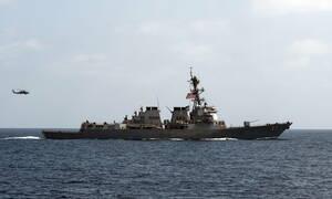 Οι ΗΠΑ δεν θέλουν νέα σύρραξη στη Μέση Ανατολή αλλά… στέλνουν το USS Mason στον Κόλπο του Ομάν
