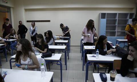Πανελλήνιες 2019: Σε Λατινικά, Χημεία και Αρχές Οικονομικής Θεωρίας εξετάζονται οι υποψήφιοι των ΓΕΛ