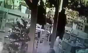 Χανιά: Ήρωας υπάλληλος ταβέρνας έσωσε τουρίστα από πνιγμό - Βίντεο ντοκουμέντο