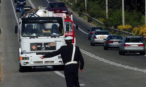 Τροχαία: Τι να προσέχουν οι οδηγοί - Απαγόρευση φορτηγών στις εθνικές οδούς