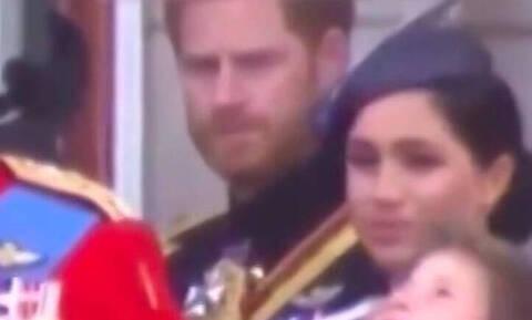 Σάλος στη Βρετανία με αυτό που έκανε ο πρίγκιπας Χάρι στη Μέγκαν Μαρκλ δημοσίως (vid)