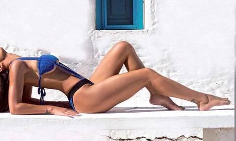 Ελληνίδα τραγουδίστρια σε καυτές πόζες στο Instagram (pics)