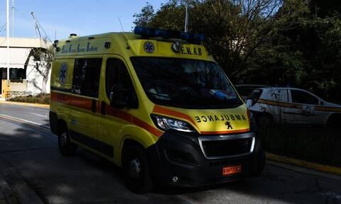 Αργυρούπολη: Σε κρίσιμη κατάσταση 12χρονος που παρασύρθηκε από ταξί (vid)