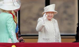 Η βασίλισσα Ελισάβετ παρήγγειλε πίτσες χωρίς όμως να το ξέρει