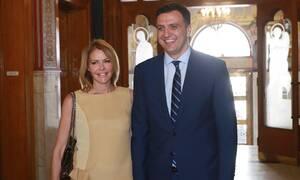 Τζένη Μπαλατσινού: Μας δείχνει τα νυφικά της παπούτσια! (pics)