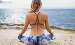 Πονάς στην πλάτη; Με αυτές τις ασκήσεις θα ανακουφίσεις την κατάσταση