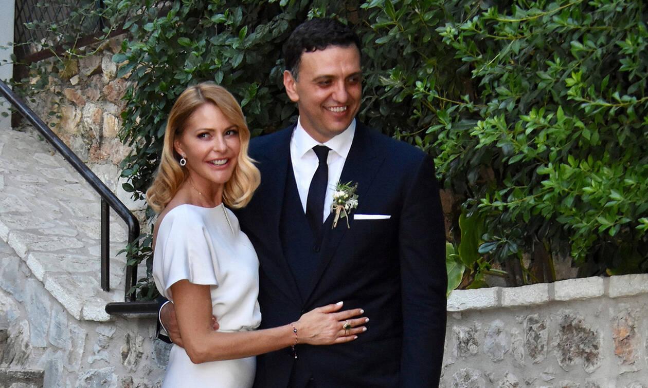 Γάμος Μπαλατσινού - Κικίλια: Οι ευχές που έδωσαν οι γονείς τους κατά την έξοδο από την εκκλησία