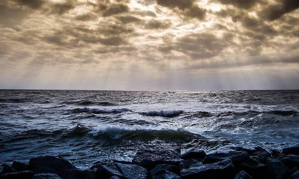 Κρήτη: Έντρομοι οι λουόμενοι με αυτό που πετάχτηκε από τη θάλασσα