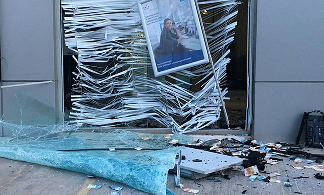 Γλυφάδα: Ανατίναξαν με δυναμίτιδα ATM και... «έβρεξε» λεφτά