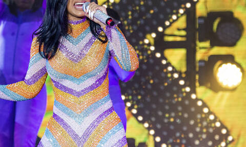 Φωτογραφία – σοκ: Δείτε πώς έγινε πασίγνωστη τραγουδίστρια μετά από πλαστική