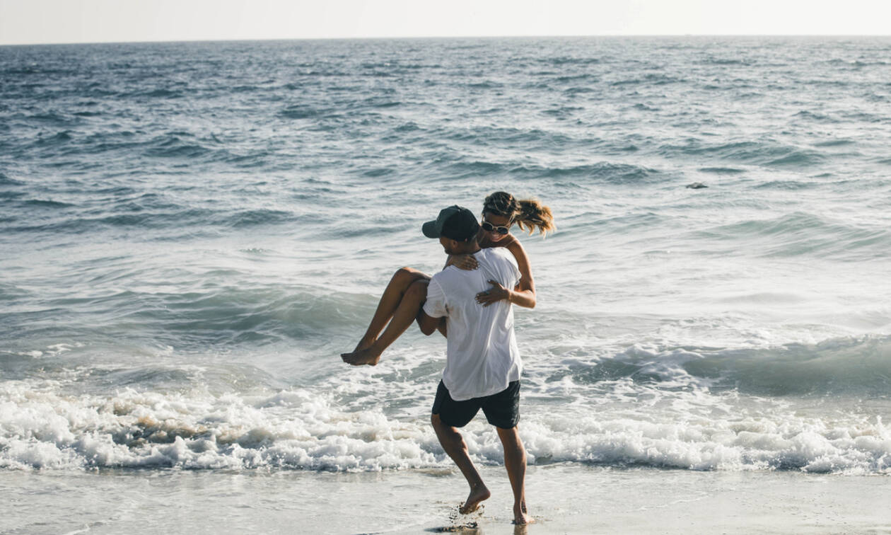 Mεταφέρω αλλά δεν υιοθετώ: 5 μικρές λεπτομέρειες που ενθουσιάζουν τους άντρες
