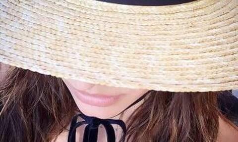 Ηλιάνα Παπαγεωργίου: Κάνει μονόζυγο topless και... μοιράζει εγκεφαλικά! (pics)