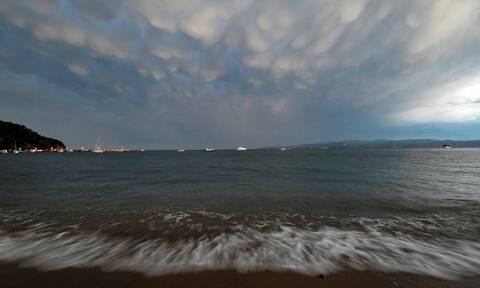 Καιρός: Νέα επιδείνωση - Βροχές, καταιγίδες και χαλαζοπτώσεις την Τρίτη