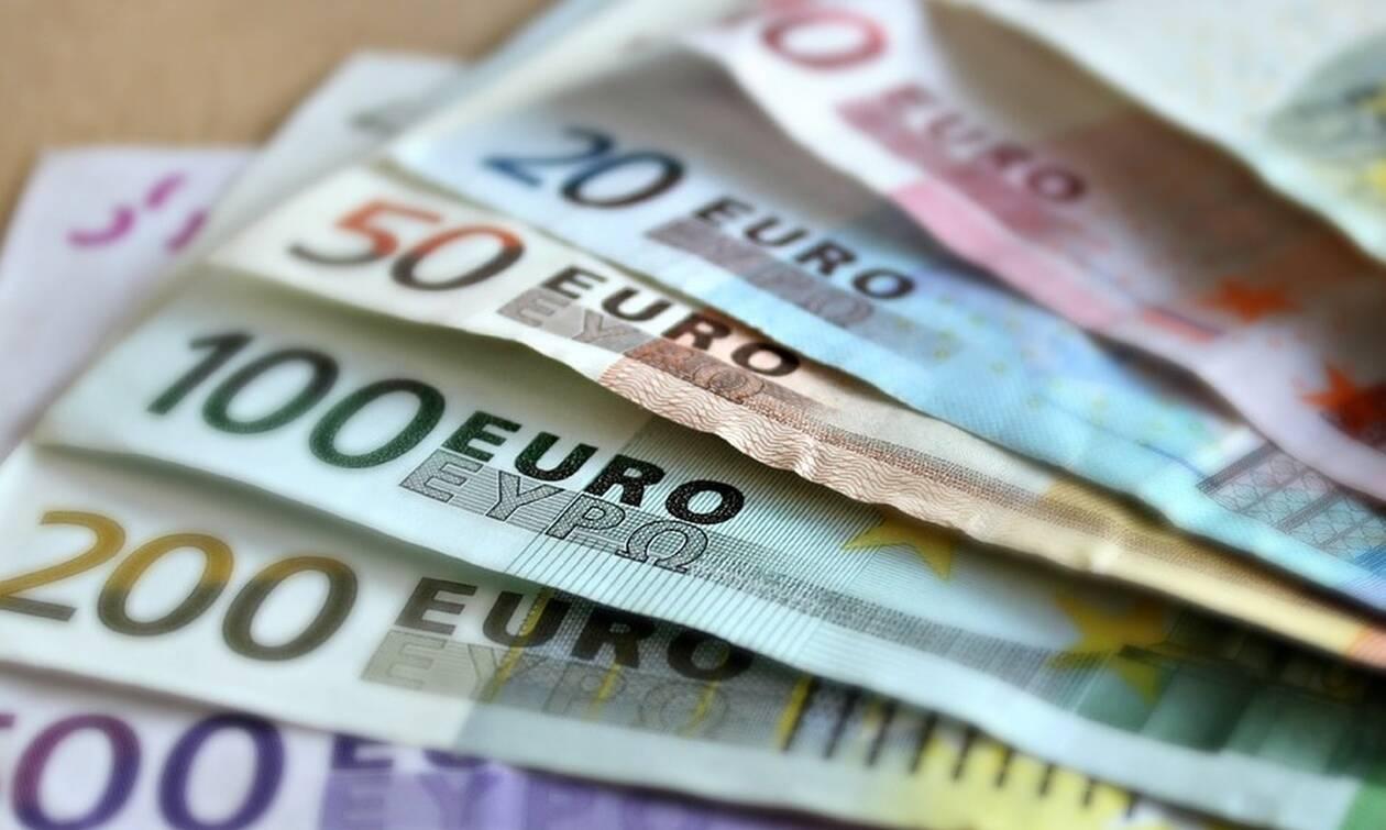 ΟΑΕΔ - Επίδομα 720 ευρώ: Δες ΕΔΩ αν το δικαιούσαι
