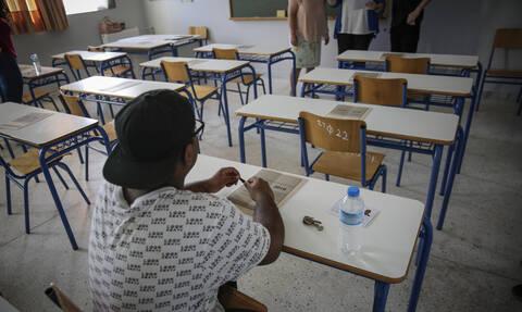 Πανελλήνιες 2019: Οι πρώτες εκτιμήσεις για τις βάσεις - Ποιες σχολές θα κάνουν «ελεύθερη πτώση»