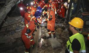 Φονικός σεισμός 6 Ρίχτερ συγκλόνισε την Κίνα (pics&vid)