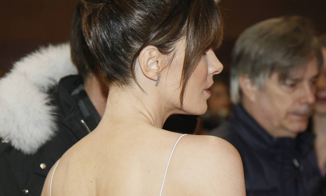 Στα 45 της η ηθοποιός έχει κοιλιακούς που θα ζήλευε ακόμη και η Kendall Jenner