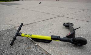 Σοκ στη Θεσσαλονίκη: Γυναίκα παρασύρθηκε από ηλεκτρικό πατίνι