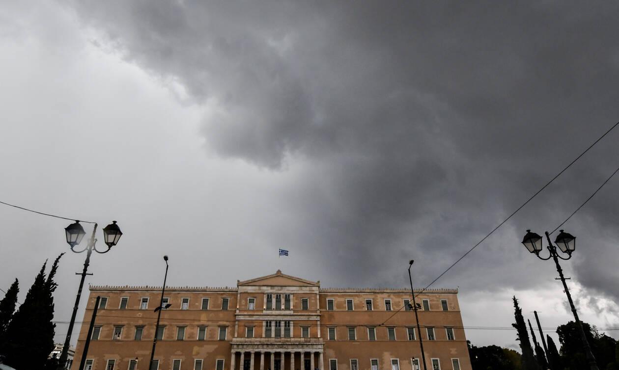 Καιρός: Χαλάζι και καταιγίδες «χτυπούν» την Αθήνα (pics+vid)