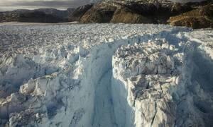 Λιώσιμο των πάγων: Η φωτογραφία που προκαλεί δέος