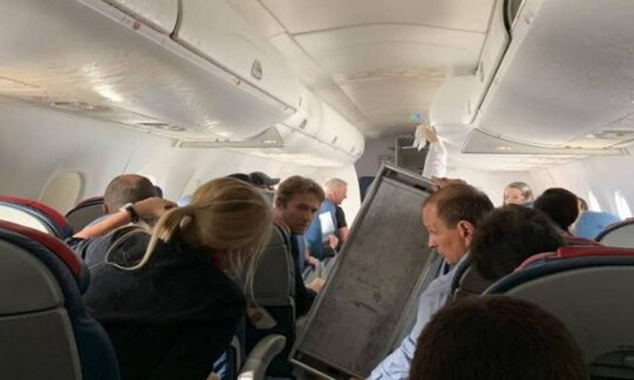 Ανατριχιαστικό! Στιγμές τρόμου σε πτήση - Αεροσυνοδός βρέθηκε στον αέρα! (vid)