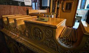 Κεραυνός τρύπησε τρούλο εκκλησίας - Συγκλονιστικές εικόνες