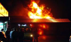 Φωτιά ΤΩΡΑ σε βιοτεχνία επίπλων στον Κορυδαλλό