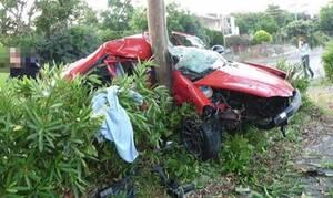 Σοκαριστικό δυστύχημα στην Καλαμάτα: Αυτοκίνητο καρφώθηκε σε δέντρο – Νεκρός ένας 22χρονος