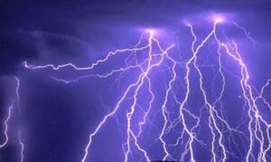 Καιρός: «Δυστυχώς...» Η αντίδραση του Τάσου Αρνιακού και η προειδοποίηση για τους κεραυνούς (video)