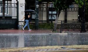 Καιρός: Έρχονται καταιγίδες και χαλάζι στην Αττική - Δείτε πού θα «χτυπήσουν» έντονα φαινόμενα
