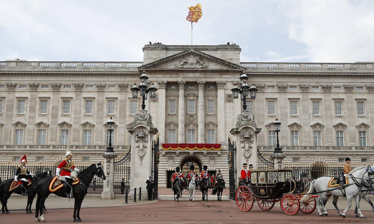 Πανικός στο Μπάκινγχαμ: Το τροχαίο που σόκαρε τη βασιλική οικογένεια (pics&vid)
