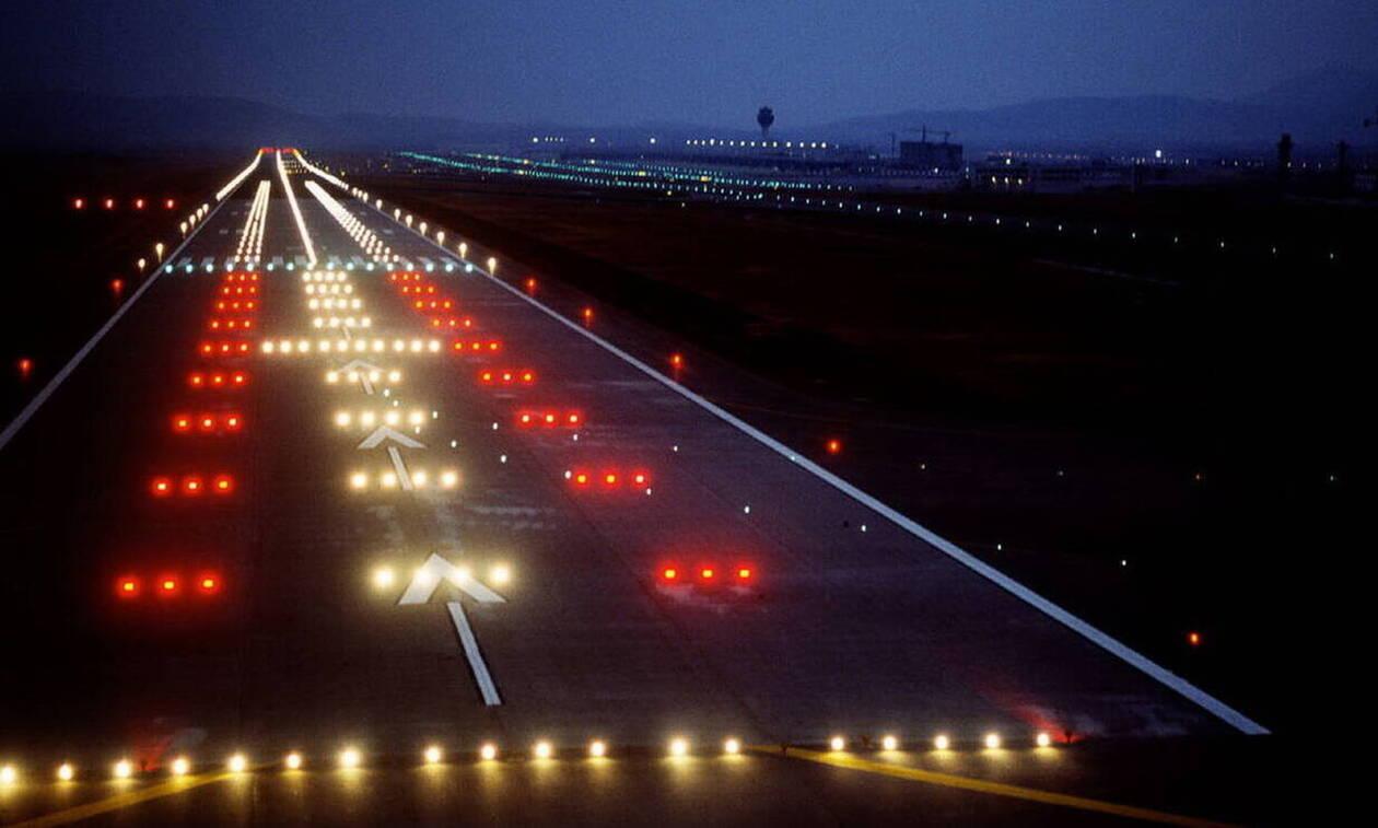 На Крите самолет авиакомпании SAS столкнулся с грузовиком, пассажиров эвакуировали